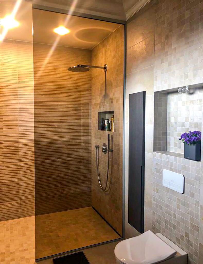 stikla dušas siena