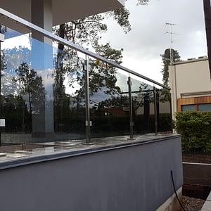 Stikla nerusejosa terauda margas